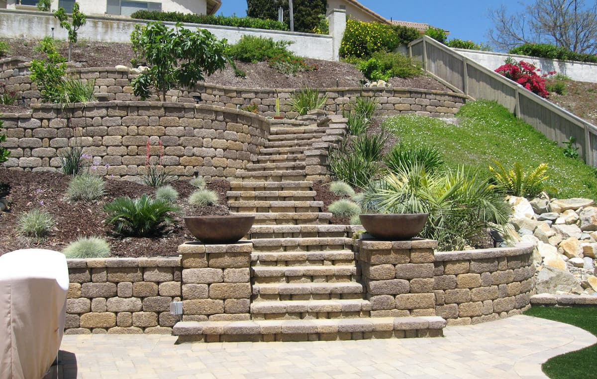retaining wall contractor San Diego